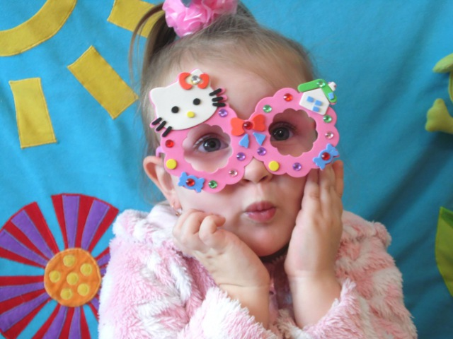 Хэлоу Китти очки и мягкая аппликация делаем своими руками Hello Kitty glasses and soft application d