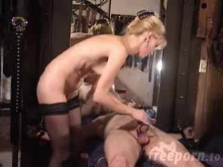 Порно пытка током раба фото 130-975