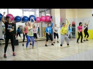 Aleksandra Gulevich - pa la discoteka a bailar