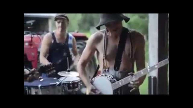 Горячие финские парни играют ACDC Thunderstruck! КЛАСС! Funny Country ACDC's Thunderstruck
