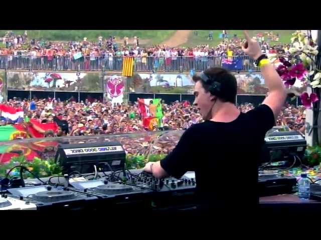 Hardwell - Spaceman vs Somebody that I used to Know (Live @Tomorrowland 2012)