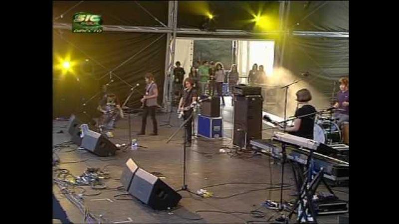 Electrelane - Birds - Live @ Paredes de Coura 2007.08.15 (0510) [43 HQ]