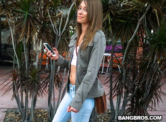BangBus – Kirsten Lee – Kirsten goes Wild on a Spring Break Bus Ride