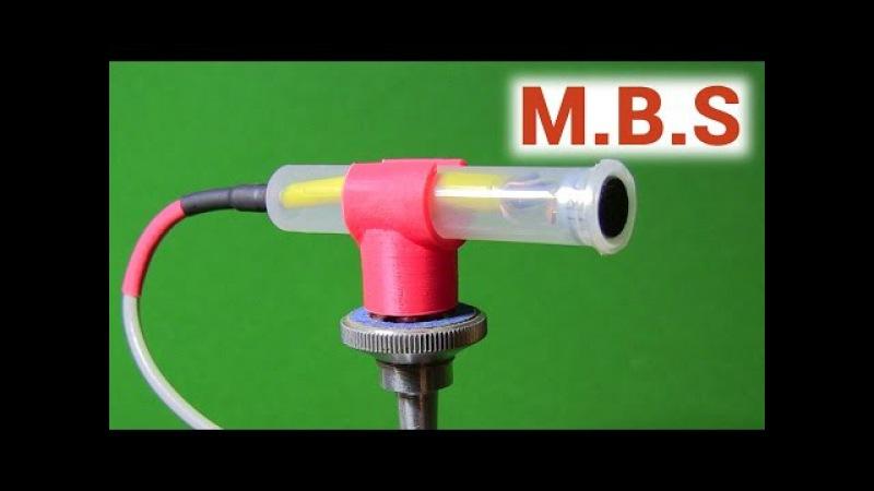 Самодельный конденсаторный микрофон с усилителем в корпусе из шприца.