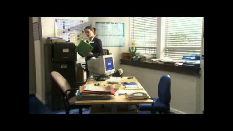 Green Wing Cell Phone Dance