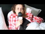 Billie Rocks Paris in bed