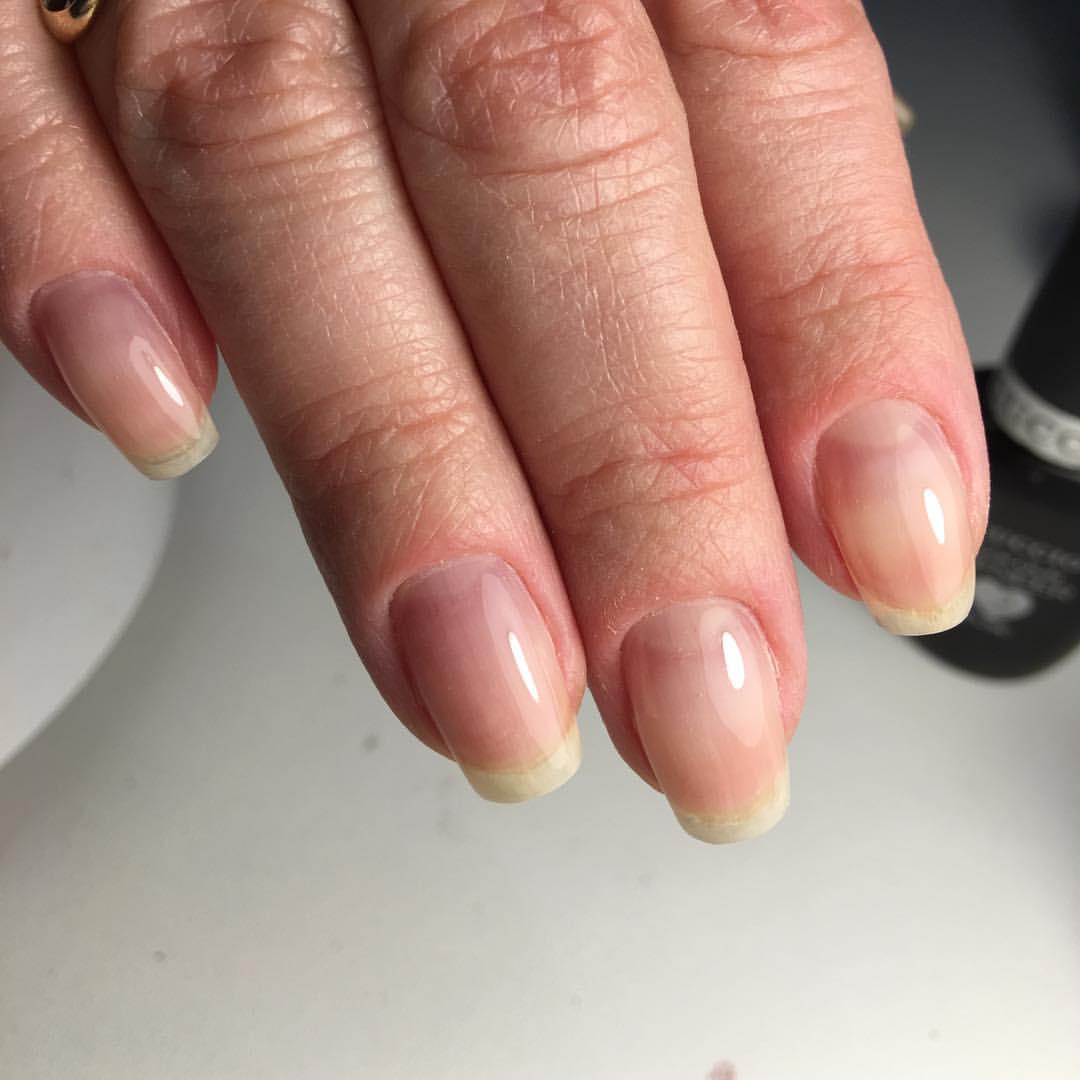 Ногти с широкой пластиной фото