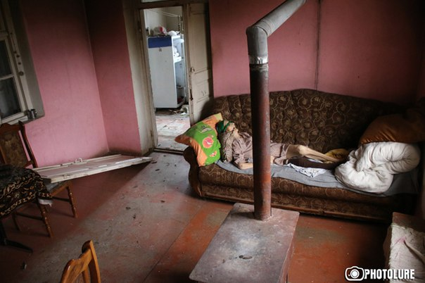 Омбудсмен НКР: Азербайджанские военные пытали 90-летнюю армянку