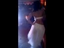 Красивая девушка,красивая музыка,красиво двигается,в HAPPY BAR(счастливом баре!)