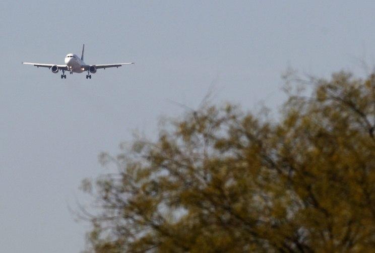 Airbus аварийно сел в Хабаровске из-за трещин в стекле кабины пилотов