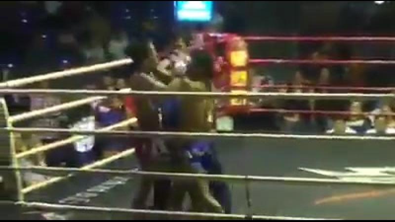 Тайский бокс жесткие удары коленями нокаут