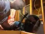 Мужик без страховки выжигает раковую опухоль раскалённым болтом / Man willingly has a red hot metal bolt, pushed into his head