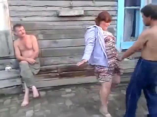 Деревенские бабы ебутся видео ну