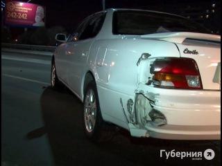 Пьяная автолюбительница врезалась в машину хабаровского полицейского.MestoproTV