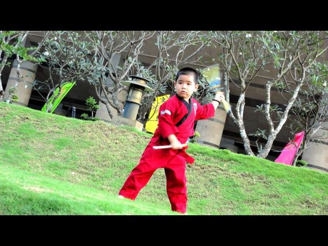 Happy new year 2016 | Gia Huy côn nhị khúc | nunchaku kid | Нунчаку |쌍절곤 |雙截棍 | ヌンチャク