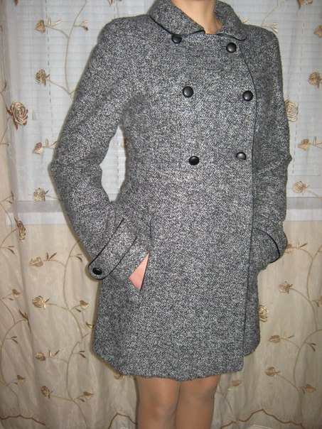 Продам осіннє пальто в хорошому стані, розмір 42-44. Ціна 170 грн. тел. 09840320...