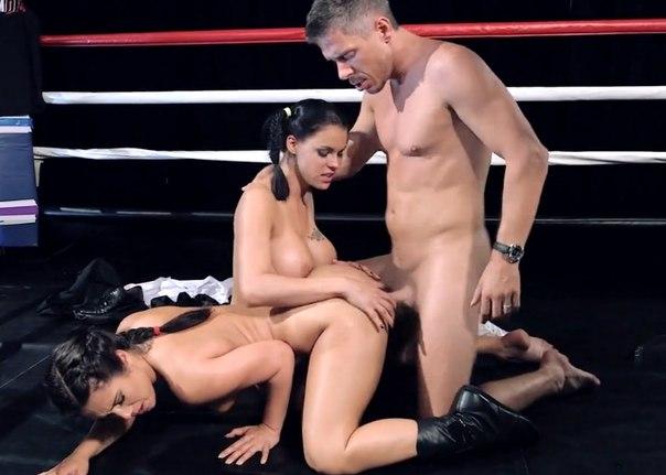 Порно на большой ринге