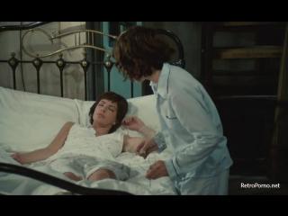 Сын раздевает спящую маму видео фото 794-454