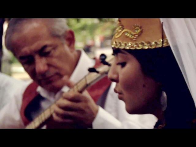 Reyana Kadırova ve Cemil Karikov - Bağçalarda kestane (Традиційна музика кримців) переклад