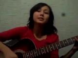 Девушка круто поет под гитару ! Стоп стоп стоп музыка. Обалденный голос))