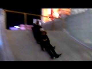 Человеческая многоножка: больше визга, чем самого катания))