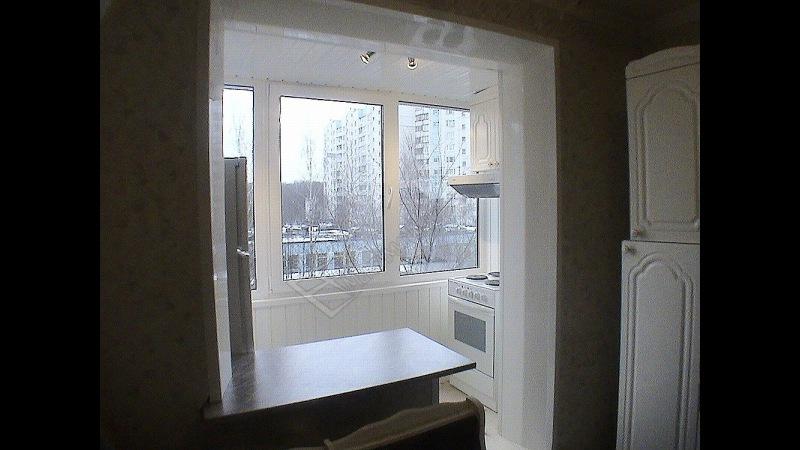 Подробная видеоинструкция по совмещению кухни с балконом..