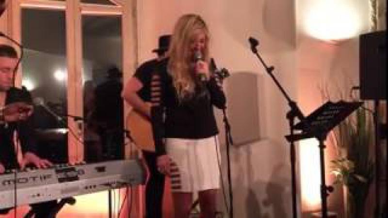 Ellie Goulding - Love Me Like You Do (Live 02/03/2015)
