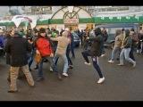 Массовая Драка таджиками и узбеками в центре Москвы