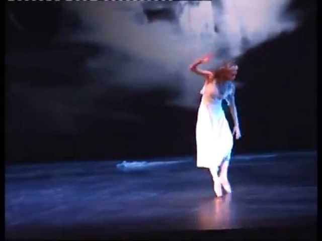 2010 Uliana Lopatkina as Ophelia