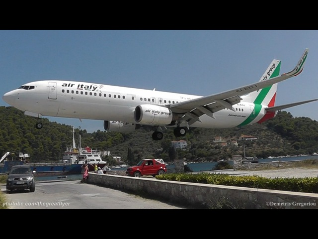 ! LOWEST 737 LANDING EVER! @ Skiathos, the second St Maarten | Air Italy 737-8BK crazy pilot!