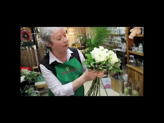 Белые розы: составление букета невероятной красоты своими руками (мастер класс ...