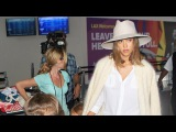 Jessica Alba Wears All White For Air Travel