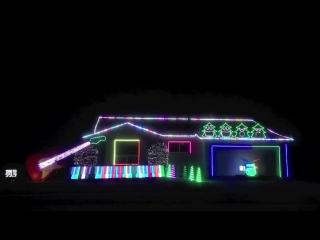 Необычное,музыкальное украшение дома на рождество (California,Christmas Can Can)