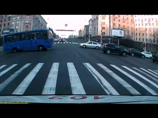 как должен ездить водитель скорой помощи