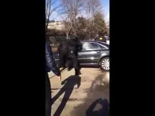 Работа ОМОН и СОБР задержание вооруженных наркодельцов Срельба Жесть!