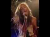 Queen Adreena, playin' with her bottle (Live Lorient 2008)