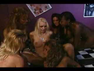 Devil in a Wet T-shirt - Shelby Stevens, Candy Vegas, Kimberly Kummings, Menage Trois, Nikki Sinn and Sahara Sands