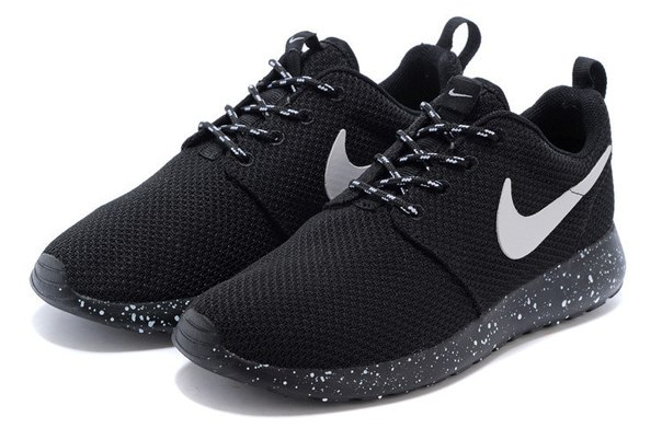 flelhm roshe run trainers