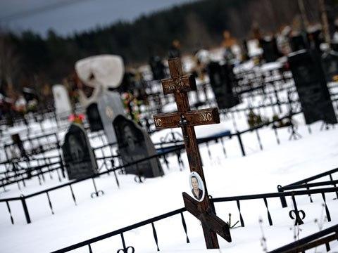 Прокуратура отменила приказ о взимании платы за проезд на Маганское кладбище