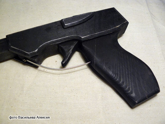 Пистолет- резинкострел UIvq1kjWy8w