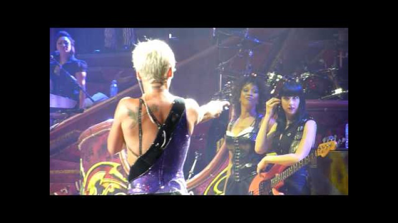 P!nk in Melbourne, July 15, 2009 - Crazy