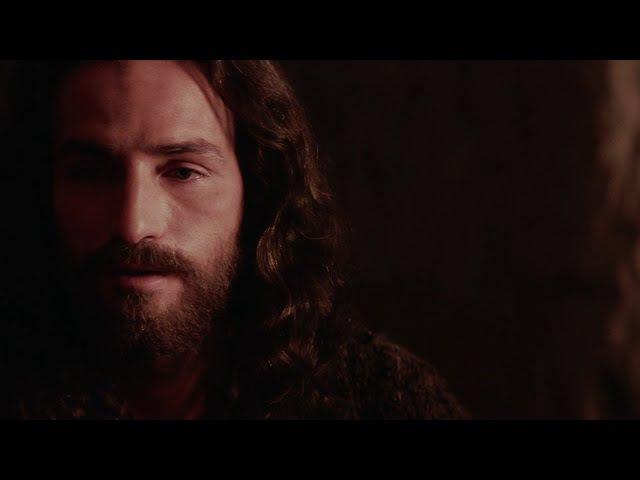 Иисус сказал: Нет любви сильнее, чем та, когда человек жертвует своей жизнью ради ближних...