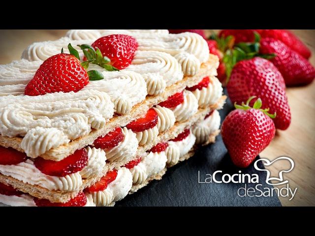 Milhojas de crema chantilly y fresas en postres faciles con fresa
