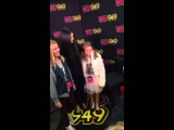 Селена Гомес на радио Wild 94.9's. Окленд Калифорния 3 декабря 2015