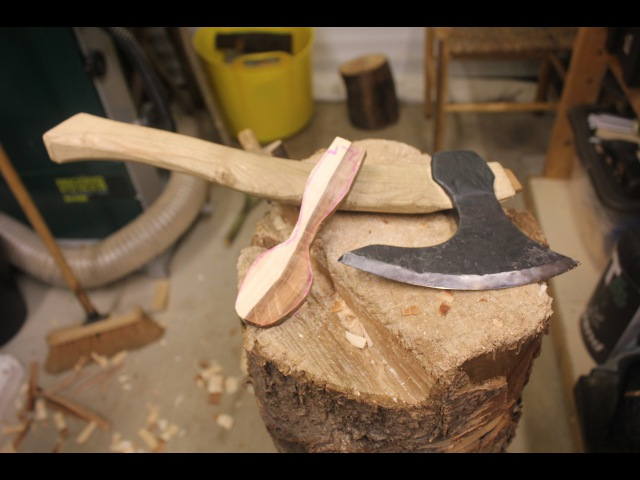 How To Carve A Spoon - Lee Stoffer