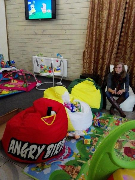 """Живые кресла-мешки на Малышковой вечеринке """"Дети в свете"""""""
