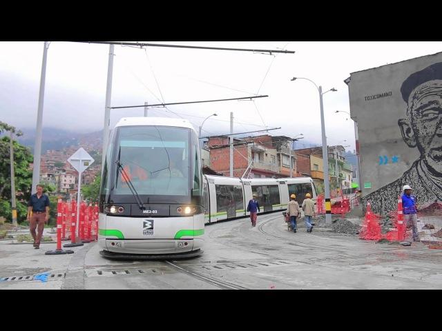 El despeje de la vía, el primer viaje del tranvía de Ayacucho cada mañana