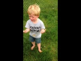 Мальчик слишком серьезно принял мелкую неприятность, которая с ним произошла