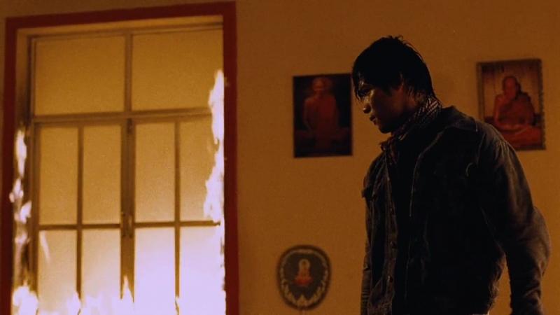 Честь дракона / Tom yum goong (Тони Джаа / Tony Jaa, Нэйтан Джонс / Nathan Jones) (Прачья Пинкаю / Prachya Pinkaew) [HD]
