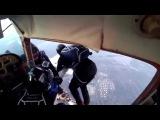 Неудачный прыжок с парашютом. Столкновение двух самолетов.